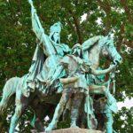 西ヨーロッパ統一した武人|カール大帝(シャルルマーニュ)の名言[英語と和訳]
