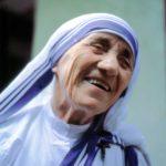 43の名言とエピソードで知るマザー・テレサ[英語と和訳]